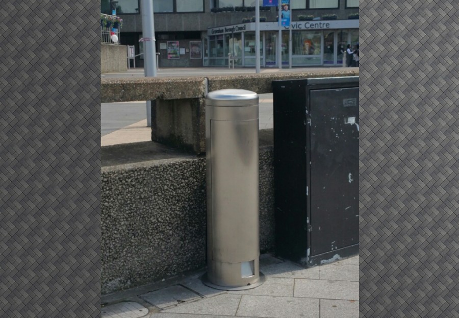 Gravesham Borough Council specify Pop Up Power Supplies® power bollards for area outside their civic centre
